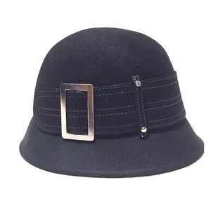 Accessories - Cloche black hat 100% wool with silver buckle